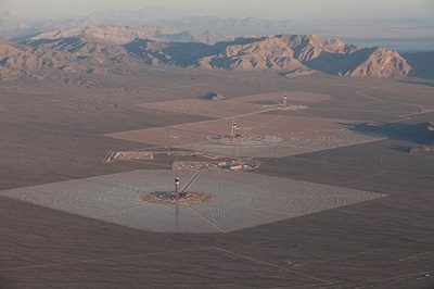 Ivanpah Solar Electric Generating System - photo (c) Gilles Mingasson