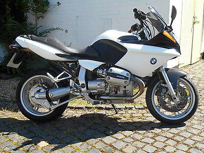 BMW-R1100S-2000-1
